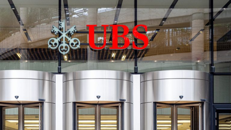 ubs advises stay clear of cryptocurrencies warns regulators will crack down on crypto